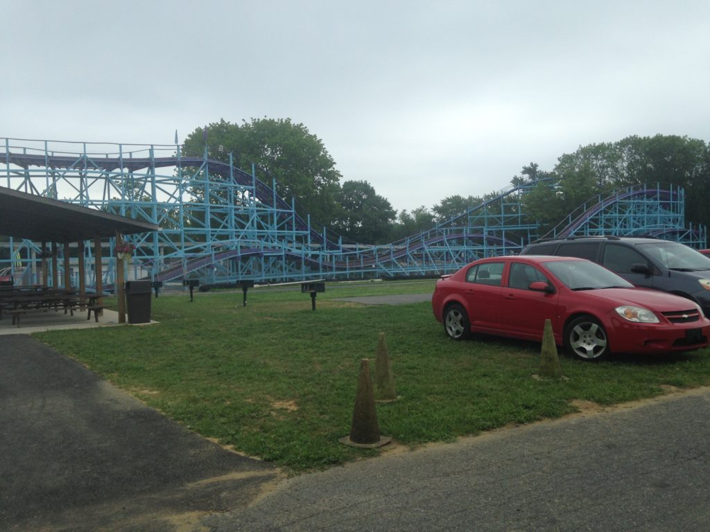 best place to park at dutch wonderland