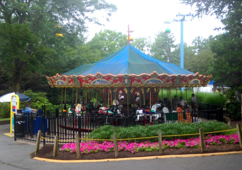 dutch wonderland carousel